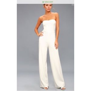 Size S BRAND NEW lulus white jump suit